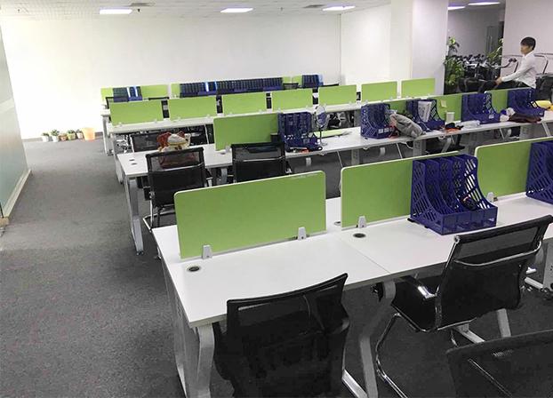 果绿色开放式多人并排办公卡位 职员办公桌 电脑桌