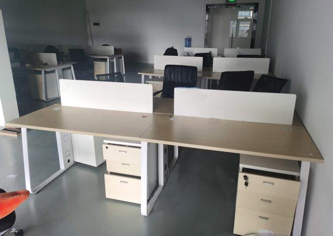 职员办公桌简约现代员工4四人位办公桌椅组合工位6卡位办公室桌子