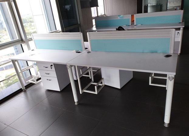 职员办公桌简约现代屏风隔断员工位办公桌