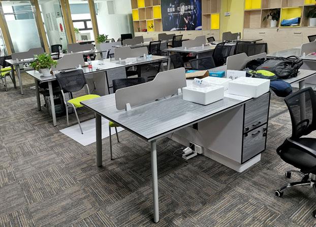 职员办公桌椅组合 简约现代4/6人位办公室员工双人工位卡位