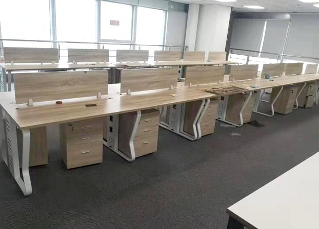 卡位办公桌职员四人位办公桌椅组合简约电脑屏风办工桌