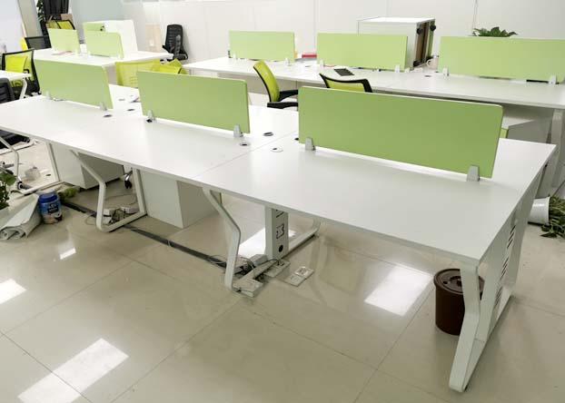 职员办公桌子 办公室简约现代四人位办公桌工位员工卡位