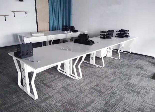 卡位办公桌职员简约电脑屏风办工桌公司