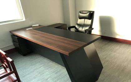 合步二手办公家具安装服务案例——龙岗张老师