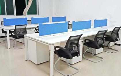 合步二手办公家具安装服务案例——龙华民治刘先生